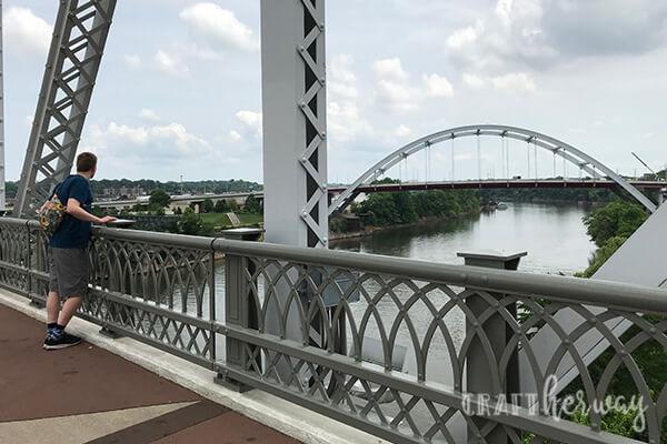 pedestrian walking bridge in nashville - 9 things to do in nashville